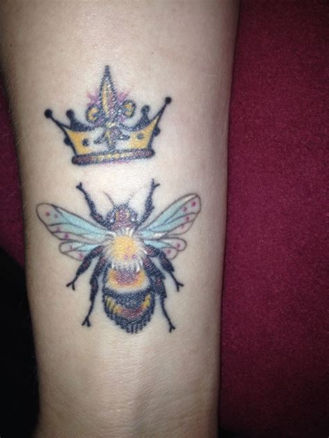queen bee tattoo designs 17 best ideas about bee on honey