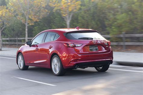 2017 mazda mazda3 reviews and rating motor trend