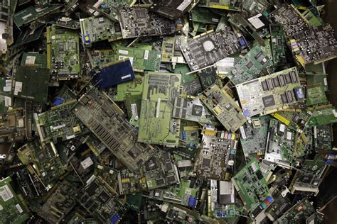 waste  gobal cost  discarded electronics