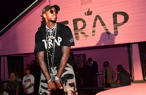 trap house album rapper 2 chainz turns album cover trap house into free hiv clinic defendernetwork com