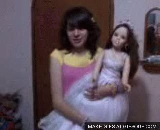 porcelain doll gif gifs animados macabros y terror 237 ficos que asustar 225 n a sus