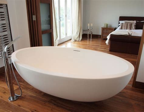 oval bathtubs improve your bathroom with this oval bathtubs