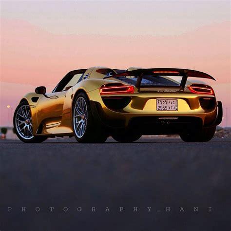 gold porsche 918 meet a custom wrapped porsche 918 spyder with some serious