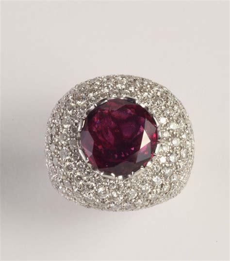 pave di diamanti anello con pietra rossa e pav 233 di diamanti argenti e