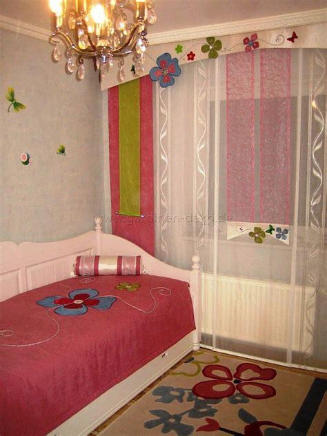 kinderzimmer deko pink kinderzimmer schiebegardine mit blumenschabracke und schal