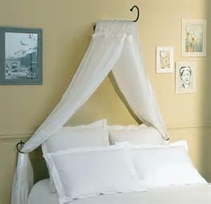 maison du monde puilboreau table de lit