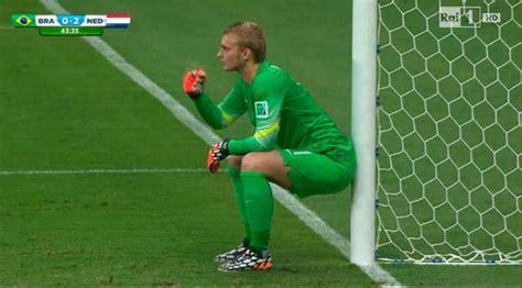 portiere olanda il brasile non tira il portiere dell olanda si siede