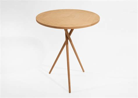 3 Legged Decorator Round Table Photograph Tri Table 30 Inch Decorator Table