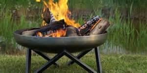 feuerschale im garten erlaubt feuerschalen f 252 r den garten fehlk 228 ufe vermeiden