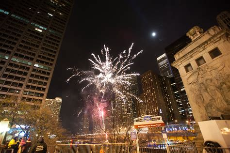 light parade chicago 2017 schedule of events lights festival the magnificent mile