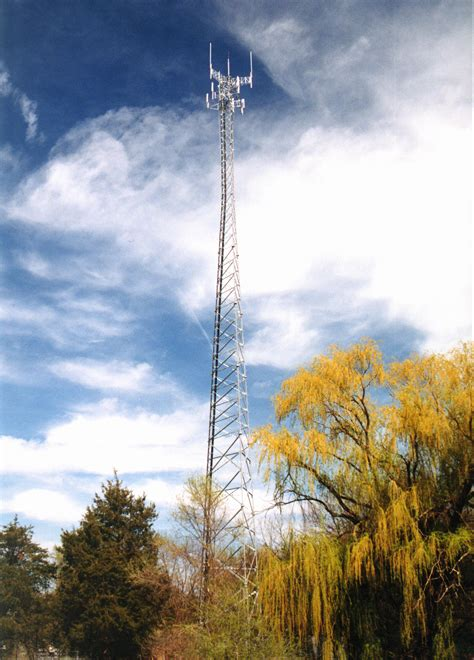 series wireless towers  valmont structures