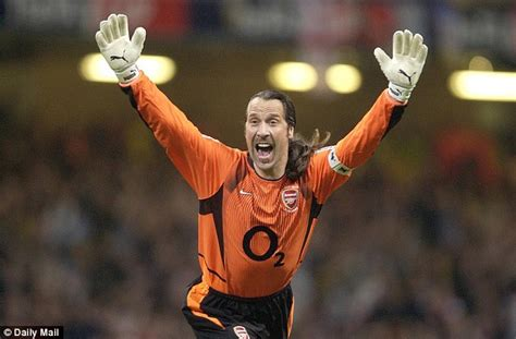 arsenal goalkeeper petr cech can bring premier league title back to arsenal