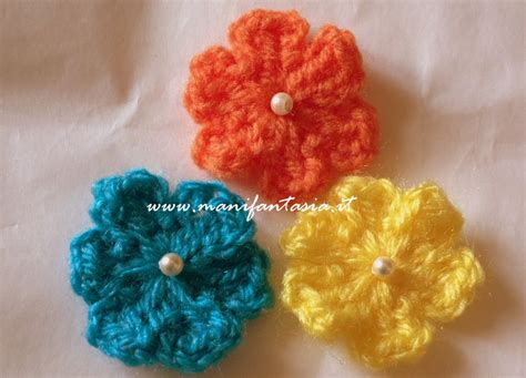 fiori con uncinetto fiori uncinetto schemi e tutorial facili e belli