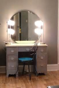 Bedroom Vanity With Lights Diymakeupvanity Refinish Old Desk 2 Lamps From Wal Mart