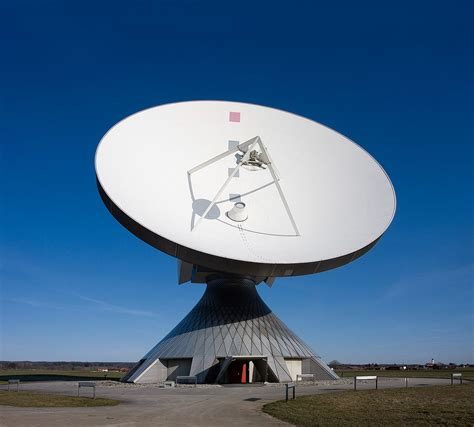 Antena Farabola Telecommunication