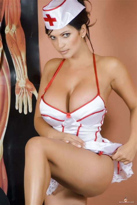 imagenes enfermera hot beautiful denise milani beautiful denise tribute page