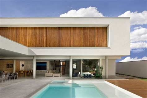 modern contemporary house contemporary home in bras 237 lia values daylight ventilation freshome