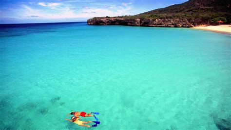 clearest ocean water in the world clearest bluest water in the world 50 photos from weather