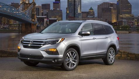 safest suvs safest suvs of 2017 the best to tote your family