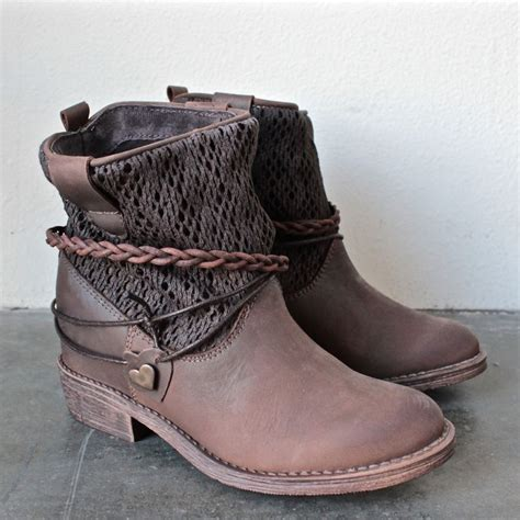 best ankle booties 25 best ideas about ankle boots on shoes