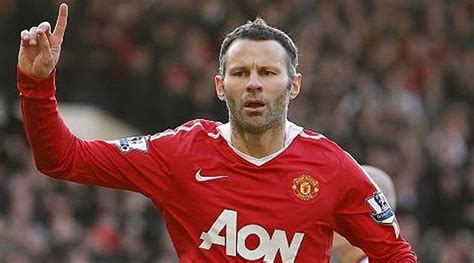 Rian Gigs giggs ready to take manchester united seat says