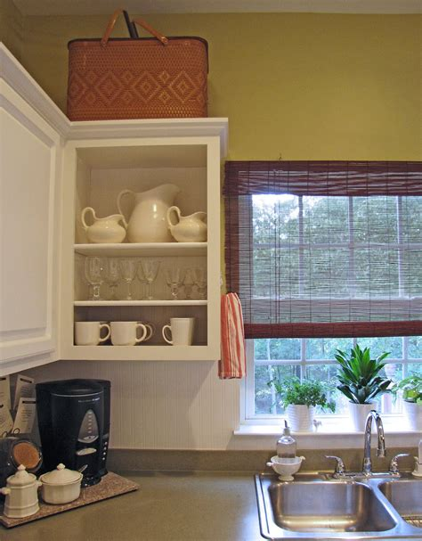 Wainscoting Kitchen Cabinets by Wainscoting Wallpaper Kitchen Cabinets Wallpapersafari