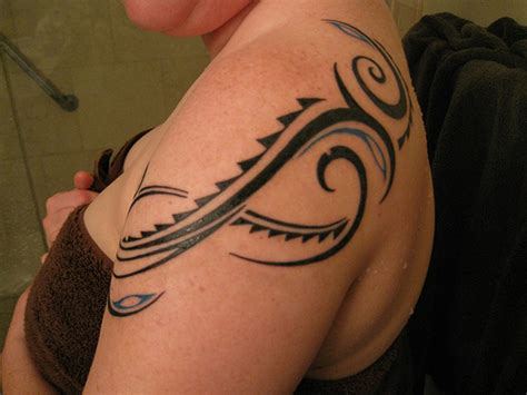 womens tribal tattoo 27 beautiful tribal shoulder tattoos only tribal