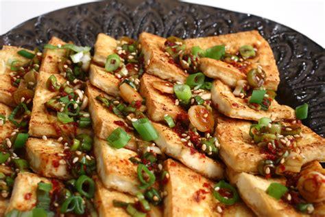 pan fried tofu with spicy sauce dububuchim yangnyeomjang recipe maangchi com