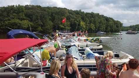 lake of the ozarks boat party boat rentals lake of the ozarks best boat rental rates