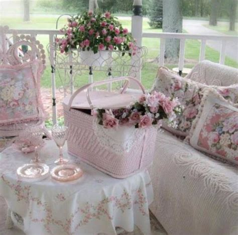 shabby cottage chic best 25 shabby chic porch ideas on country