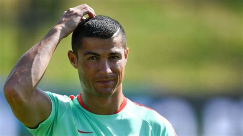 celebrities hair cutting games ronaldo 18 cristiano ronaldo haircut ideas for your inspiration