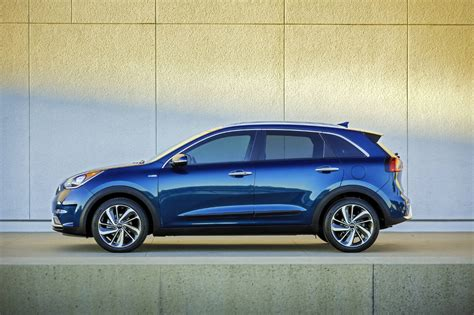 Ab Kia Kia Now Has A B Suv Of Its Own The Niro Motorchase