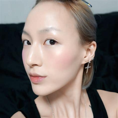 Etude House Dreaming Swan Eye Cheek 1 Blush On Makeup etude house dreaming swan eye cheek review