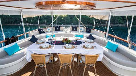 vista mare yacht charter