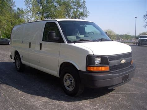how make cars 2008 chevrolet express 2500 transmission control purchase used 2008 chevy express 2500 cargo van v8 automatic trans one owner fleet maintained in