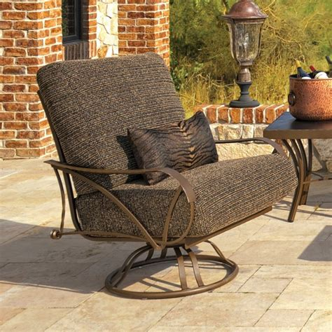 Patio Swivel Glider Chair St Augustine By Hanamint Luxury Patio Chairs Swivel