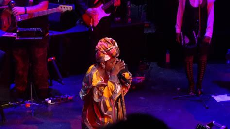 lauryn hill ex factor live ms lauryn hill quot ex factor quot live at the apollo 5 1 18