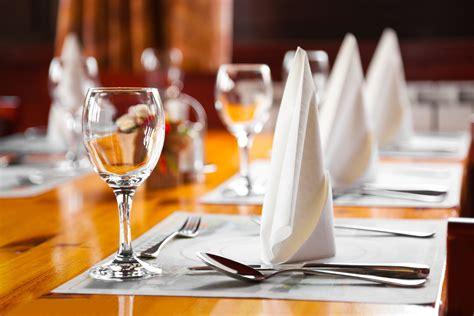 dining etiquette rules transit hotels