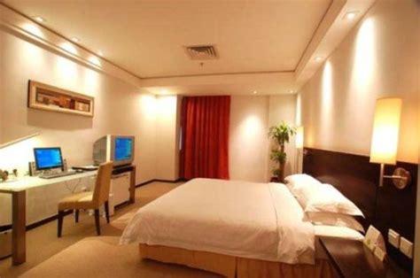 average hotel room average hotel but a bit overpriced review of huashi hotel guangzhou tripadvisor