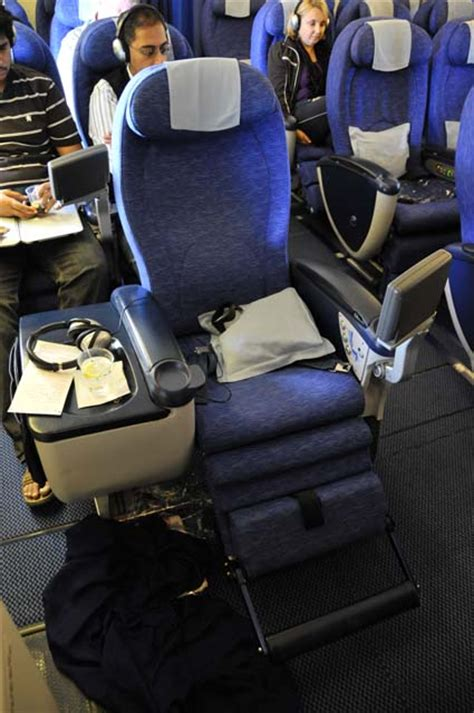 pictures of premium economy seats on airways to mumbai and back with ba in premium and economy