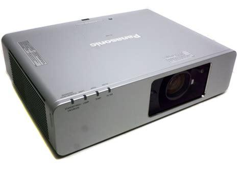 Lu Lcd Projector Panasonic panasonic pt f200u xga digital multimedia lcd projector 363 hours electronicdepot usa