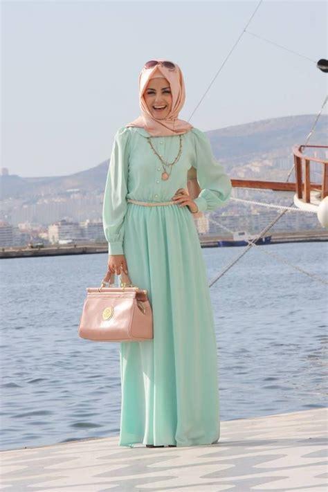 Busana Muslim Model Terbaru Moda Walk