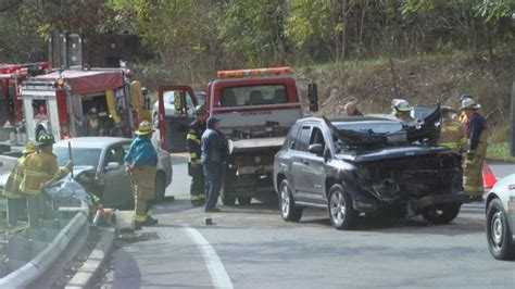 Selempang Jeep 845 1 Ax officials 1 injured in franklin collision wjac