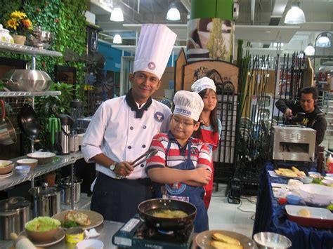 ace hardware tunjungan plaza kids cooking class kursus masak anak anak