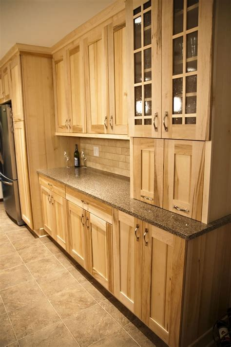 kitchen cabinets maple wood best 25 maple cabinets ideas on pinterest maple kitchen