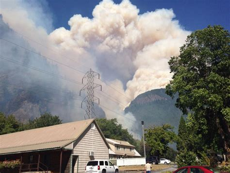 Wildfire On The Skagit wildfire near newhalem prompts evacuations news
