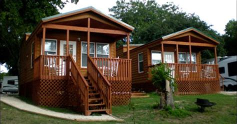 Blora Cabins by San Marcos River Cground Rv Park Cing