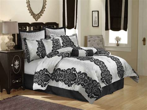 Black And White Bedding by Black And White Bedspreads Decorating Ideas