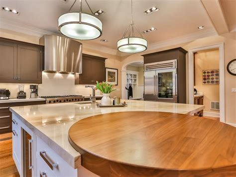 colonial kitchens hgtv tour a renovated colonial home in new canaan conn hgtv