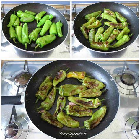 cucinare i friggitelli in padella friggitelli fritti ricetta friggitelli in padella il